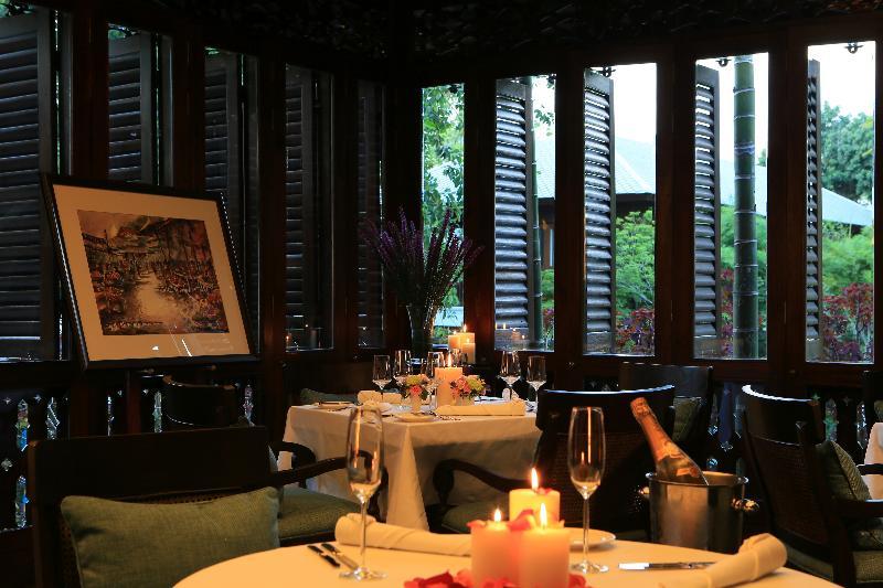 137 PilLARS Restaurant