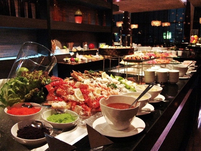 VIE Wine & Grill Buffet