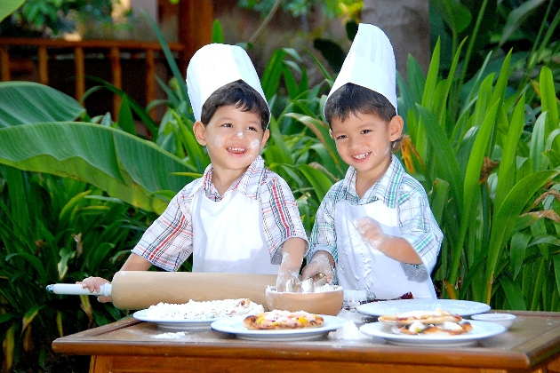 Kids pizza class at Anantara Hua Hin.JPG