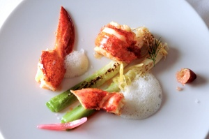 Alive Boston lobster and citrus confit, simple leek with a -grain of salt-,