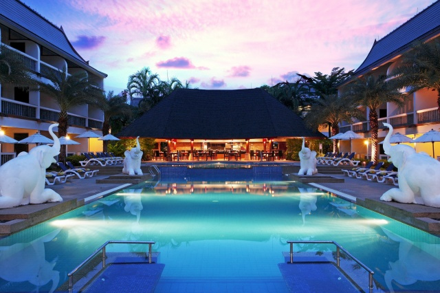 Centara Kata Resort Phuket - Wave Pool