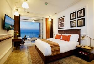 Centara Grand Modus Resort Pattaya -  Deluxe Ocean View