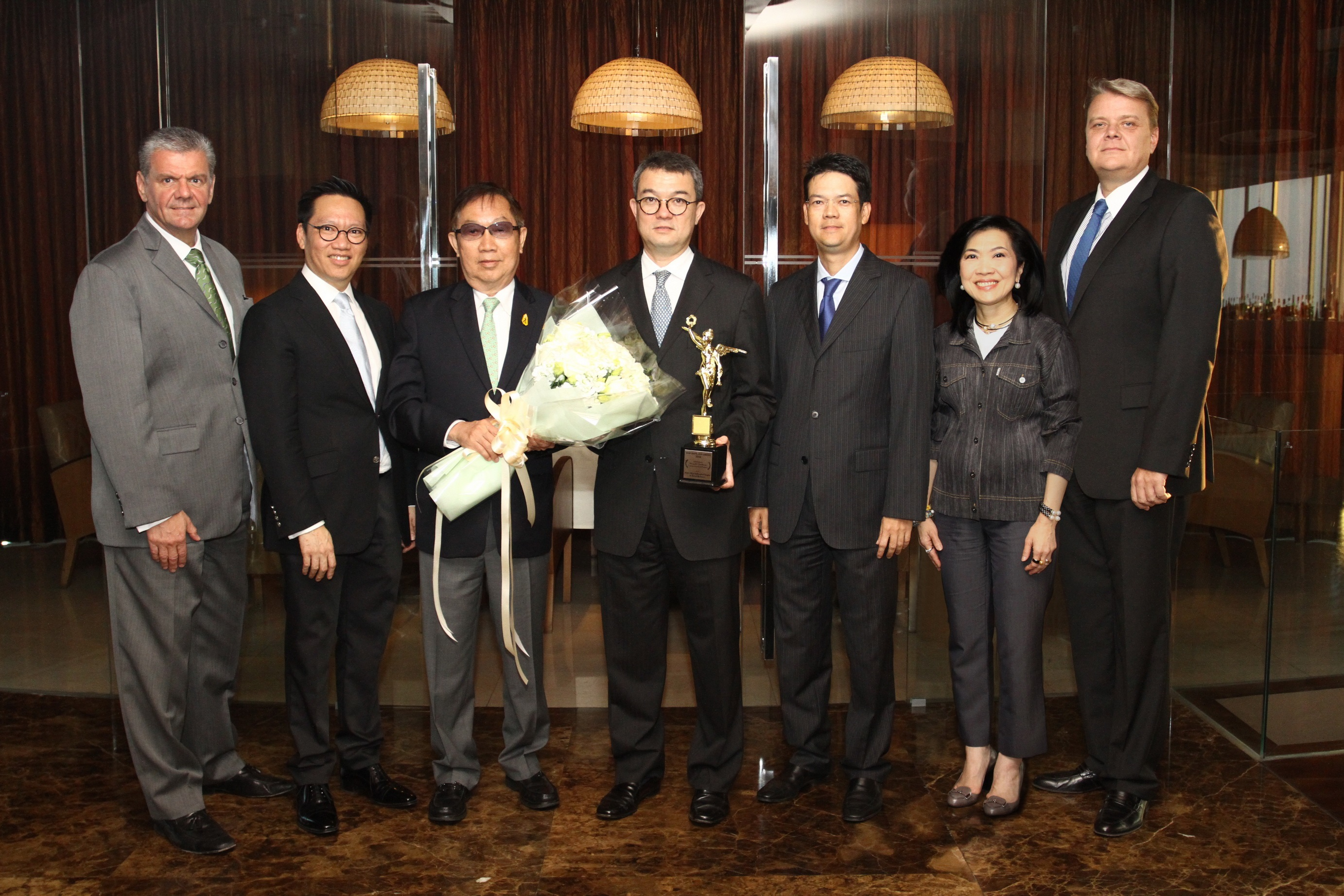 Centara CEO wins award