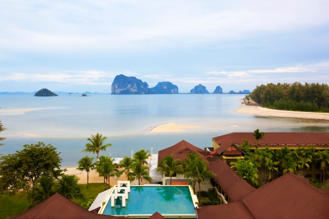 Anantara_Si_Kao_Resort_and_Andaman_Sea_panorama
