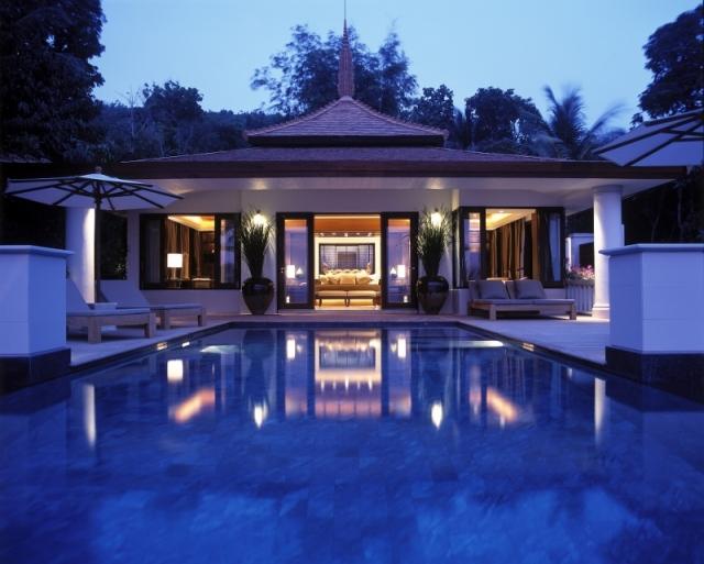Villa from Pool (800x642)